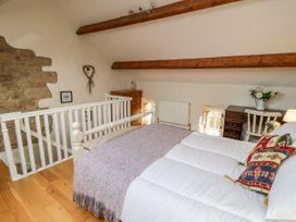 2 Primrose Villas - Whitby & North Yorkshire - 1034768 - thumbnail photo 10