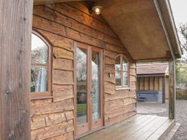 Hillside Lodge - Shropshire - 1034873 - thumbnail photo 2