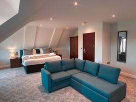 Cotswold Club Apartment 4 Bedrooms - Cotswolds - 1035057 - thumbnail photo 7