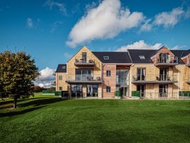 Cotswold Club Golf View 2 Bedroom Apartment - Cotswolds - 1035068 - thumbnail photo 15