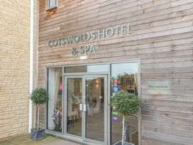 Cotswold Club Golf View 2 Bedroom Apartment - Cotswolds - 1035068 - thumbnail photo 22