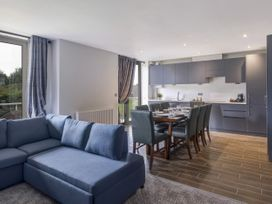 Cotswold Club Golf View 2 Bedroom Apartment - Cotswolds - 1035068 - thumbnail photo 6