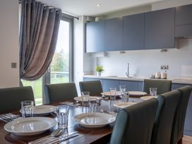 Cotswold Club Golf View 2 Bedroom Apartment - Cotswolds - 1035068 - thumbnail photo 8