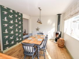 Giggling Goose Cottage - Lincolnshire - 1035167 - thumbnail photo 10