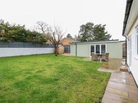 Giggling Goose Cottage - Lincolnshire - 1035167 - thumbnail photo 36
