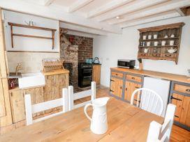 Studio Bach - Anglesey - 1035238 - thumbnail photo 8