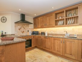136 Castle Road - Whitby & North Yorkshire - 1035280 - thumbnail photo 6