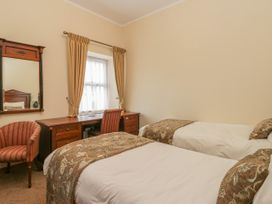136 Castle Road - Whitby & North Yorkshire - 1035280 - thumbnail photo 11