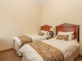 136 Castle Road - Whitby & North Yorkshire - 1035280 - thumbnail photo 12