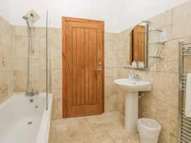 136 Castle Road - Whitby & North Yorkshire - 1035280 - thumbnail photo 13