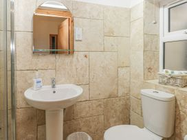 136 Castle Road - Whitby & North Yorkshire - 1035280 - thumbnail photo 17