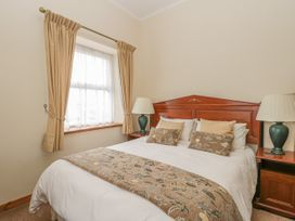 136 Castle Road - Whitby & North Yorkshire - 1035280 - thumbnail photo 19