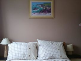 34 Freshwater Bay - South Wales - 1035504 - thumbnail photo 9
