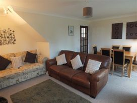 14 Green Meadow Close - South Wales - 1035573 - thumbnail photo 3