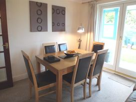 14 Green Meadow Close - South Wales - 1035573 - thumbnail photo 6