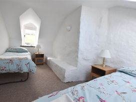 Middle Cottage - South Wales - 1035636 - thumbnail photo 10