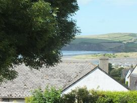 Middle Cottage - South Wales - 1035636 - thumbnail photo 15