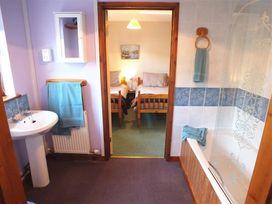 Lan y Mor Cottage - South Wales - 1035644 - thumbnail photo 7