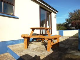 Lan y Mor Cottage - South Wales - 1035644 - thumbnail photo 10