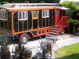 Dolly the Circus Wagon - South Wales - 1035654 - thumbnail photo 12