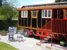 Dolly the Circus Wagon - South Wales - 1035654 - thumbnail photo 13