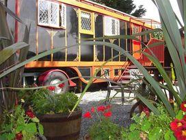 Dolly the Circus Wagon - South Wales - 1035654 - thumbnail photo 14