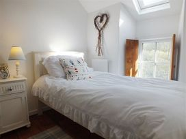 Driftwood Cottage - South Wales - 1035674 - thumbnail photo 13