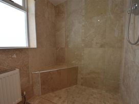 Hengoed Apartment - South Wales - 1035682 - thumbnail photo 12