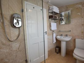Hengoed Apartment - South Wales - 1035682 - thumbnail photo 13