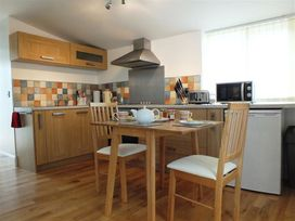 Hengoed Apartment - South Wales - 1035682 - thumbnail photo 5