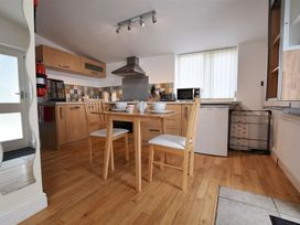 Hengoed Apartment - South Wales - 1035682 - thumbnail photo 6