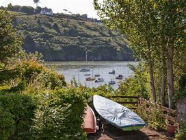 Rock Cottage - South Wales - 1035684 - thumbnail photo 19
