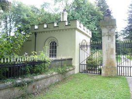 West Lodge Gatehouse - South Wales - 1035742 - thumbnail photo 2