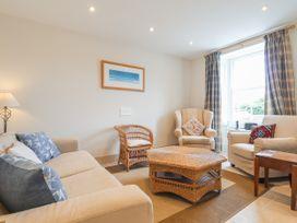 4 bedroom Cottage for rent in Newport