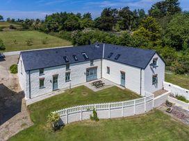 Penpistyll East Barn - South Wales - 1035768 - thumbnail photo 17
