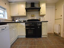 Little Barn Cottage - South Wales - 1035773 - thumbnail photo 11
