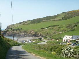Little Barn Cottage - South Wales - 1035773 - thumbnail photo 19