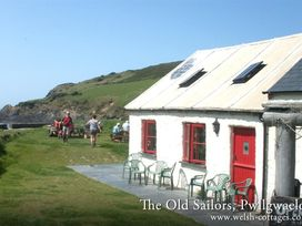 Dinas Island Cottage - South Wales - 1035952 - thumbnail photo 19