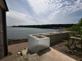 Blackrock Boathouse - South Wales - 1036102 - thumbnail photo 11