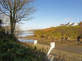 Beach Cottage - South Wales - 1036169 - thumbnail photo 13