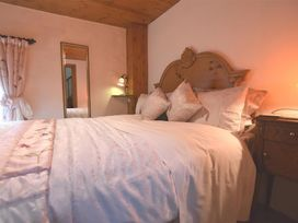 Barn Court Cottage - South Wales - 1036342 - thumbnail photo 9