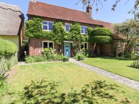 4 bedroom Cottage for rent in Princes Risborough