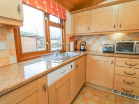 Tarn View Lodge - Lake District - 1036709 - thumbnail photo 9