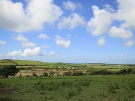 Hilltop - Anglesey - 1036946 - thumbnail photo 35