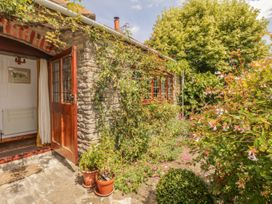 Quiet Corner Cottage - Somerset & Wiltshire - 1036988 - thumbnail photo 17