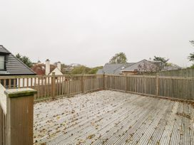 Flat 2, 38 Preston Road - Dorset - 1037083 - thumbnail photo 24
