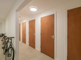 Flat 2, 38 Preston Road - Dorset - 1037083 - thumbnail photo 29