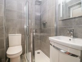 Flat 2, 38 Preston Road - Dorset - 1037083 - thumbnail photo 20