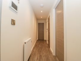 Flat 2, 38 Preston Road - Dorset - 1037083 - thumbnail photo 21