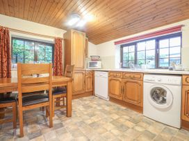 Barn Court Cottage - South Wales - 1037109 - thumbnail photo 6